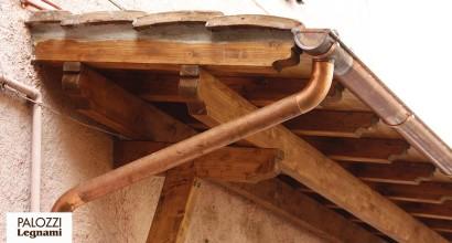 Pensilina in legno di castagno